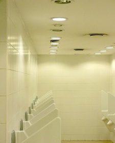 Dobre oświetlenie łazienki? Czyli jakie?