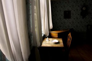 window-1373022_1280